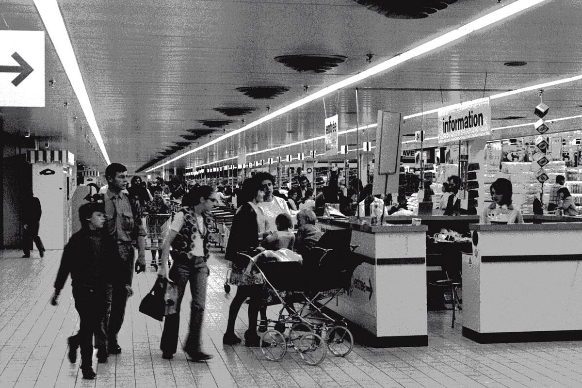 le premier supermarch mammouth rennes en bretagne en 1973 par st phane miossec. Black Bedroom Furniture Sets. Home Design Ideas